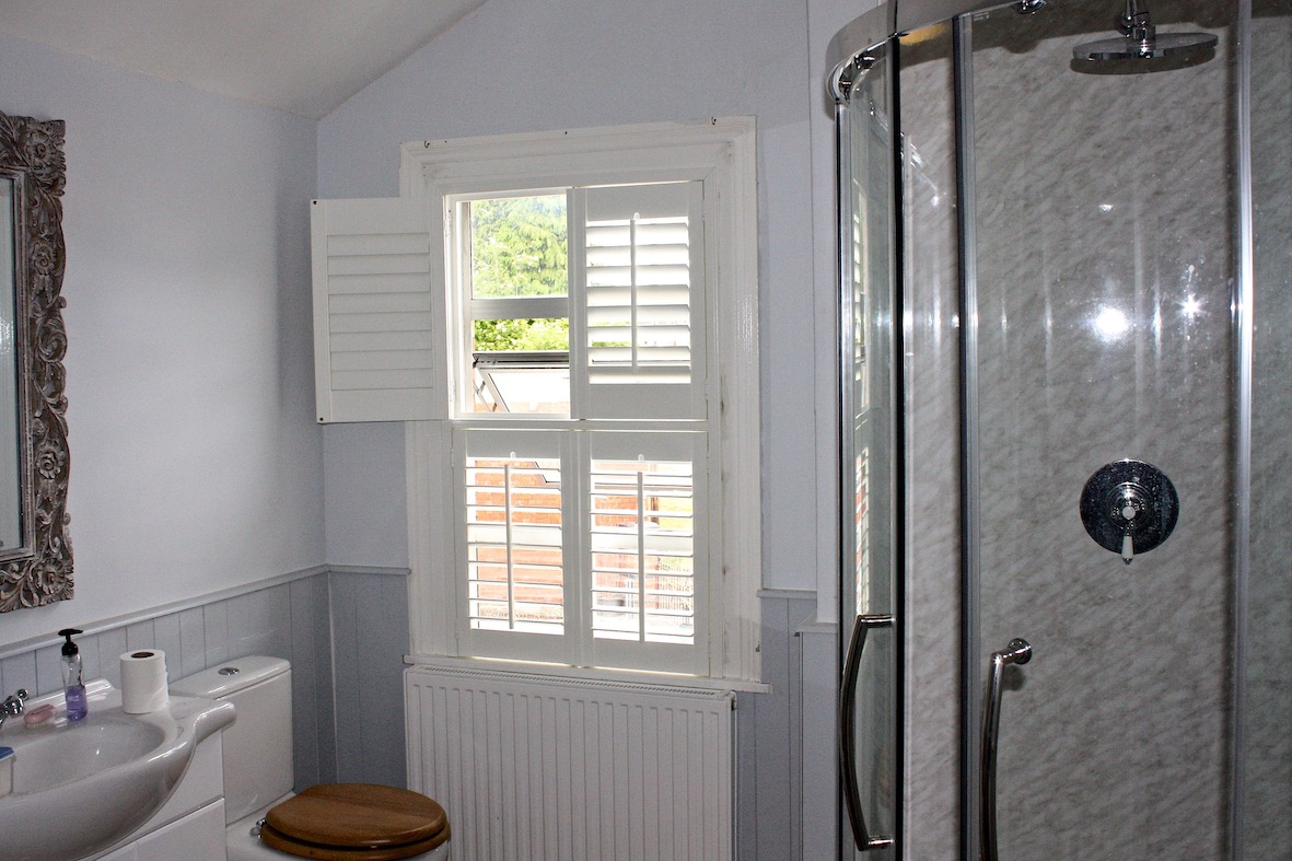 Tier on Tier shutters in a bathroom